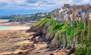 Wycieczka firmowa do Francji - Normandia podczas odpływu