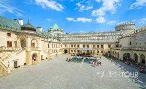 Wycieczka firmowa do Krasiczyna - dziedziniec zamku