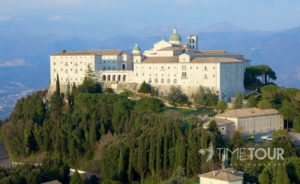 Wycieczka firmowa do Włoch - panorama Monte Cassino