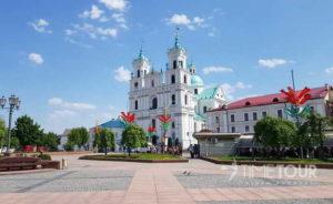 Wycieczka szkolna do Grodna - katedra i Batorówka