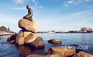 Wycieczka szkolna do Kopenhagi - syrenka, symbol miasta
