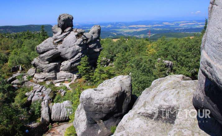 Wycieczka szkolna w Góry Stołowe - Szczeliniec Wielki skały