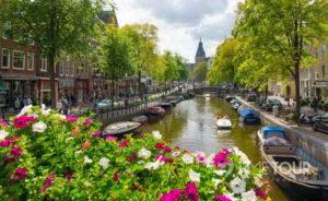 Wycieczka szkolna do Amsterdamu - kanały miejskie