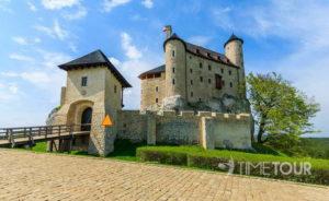 Wycieczka szkolna na Jurę - Zamek Bobolice