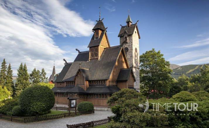 Wycieczka szkolna do Karpacza - kościół Wang
