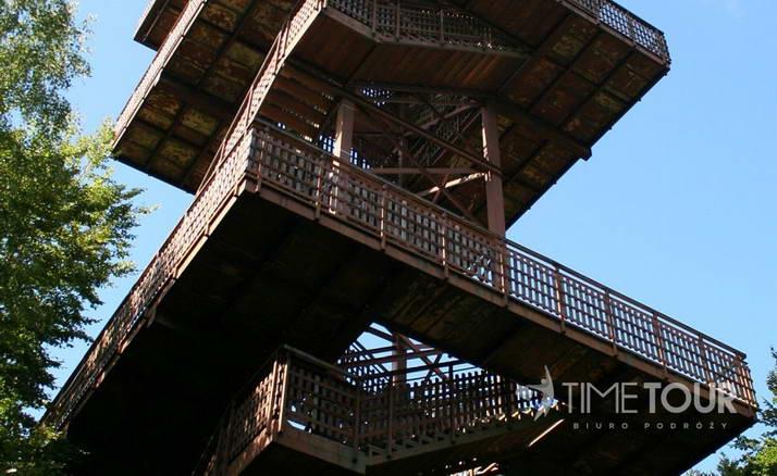 Wycieczka szkolna na Kaszuby - wieża widokowa na Wieżycy