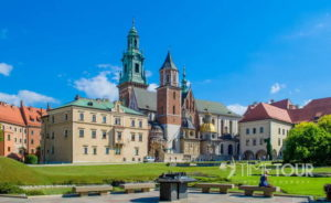 Wycieczka szkolna do Krakowa - katedra na Wawelu