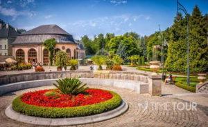Wycieczka szkolna w Góry Stołowe do Kudowej Zdroju - park i pijalnia wód