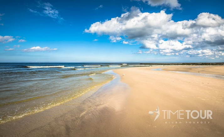 Wycieczka szkolna nad morze - bałtycka plaża