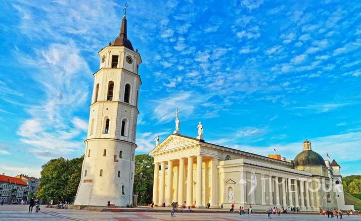 Wycieczka szkolna do Wilna - katedra