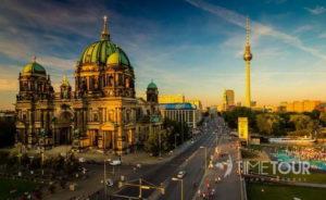Wycieczka szkolna do Berlina - katedra i wieża TV