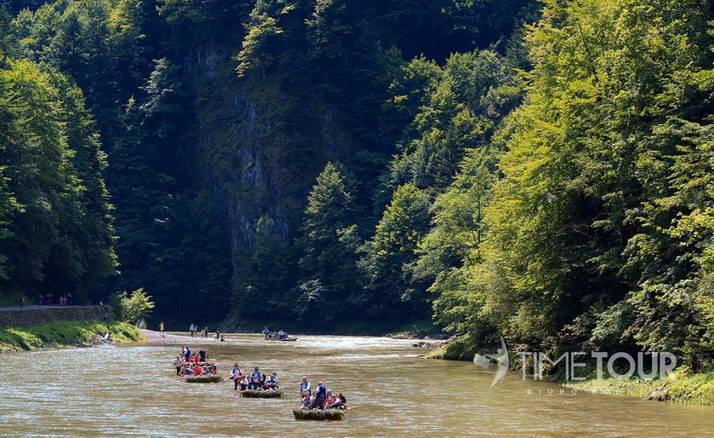 Wycieczka szkolna w Pieniny - spływ Dunajcem