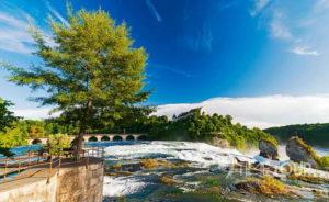 Wycieczka szkolna do Szwajcarii - wodospad Rheinfall