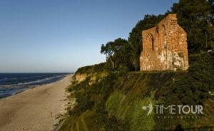 Wycieczka szkolna do Trzęsacza - ruiny kościoła