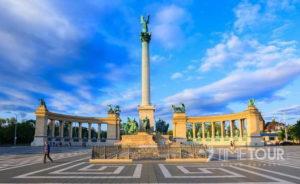 Wycieczka szkolna do Budapesztu - plac Bohaterów