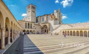 Wycieczka szkolna do Włoch - Asyż i bazylika św. Franciszka