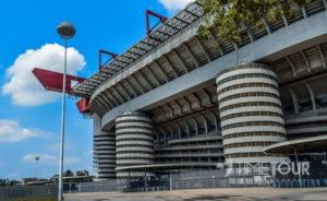 Wycieczka szkolna do Włoch - stadion San Siro w Mediolanie