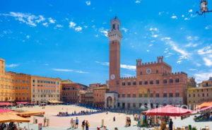 Wycieczka szkolna do Włoch - plac del Campo, Siena w Toskanii